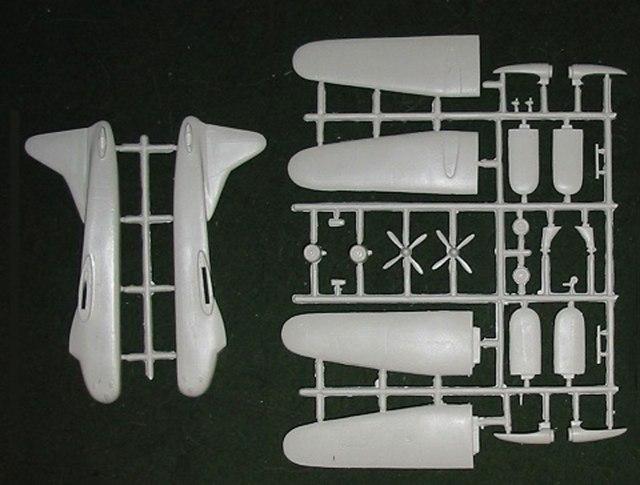 FR-Bristol-Super-Freighter-Sprue-812-W
